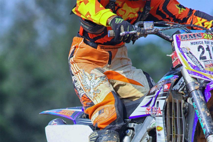 Consideraciones a tomar en cuenta al elegir el pantalón para motocross